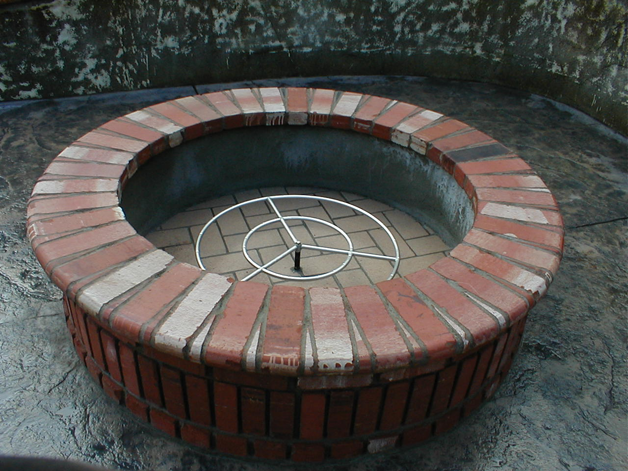 Outdoor fireplaces for What kind of bricks for fire pit
